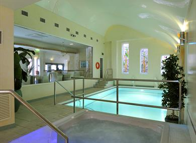 Clifton Park Hotel Swimming Pool Spa Bath