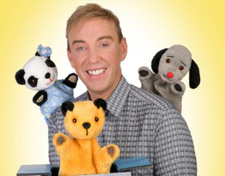 Izzy Wizzy, It's a Sooty Celebration!