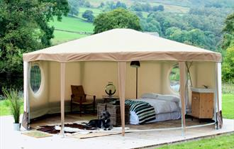 The Red Pump Inn - Glamping Yurts