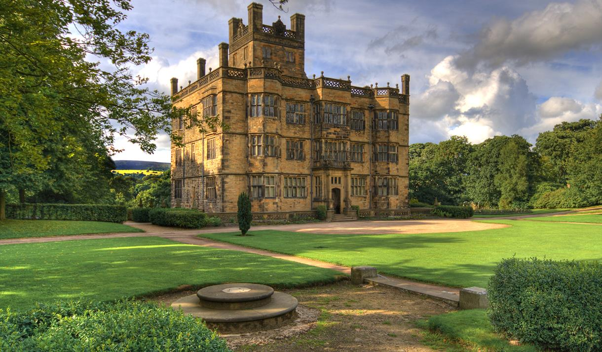 Gawthorpe Hall (NT)