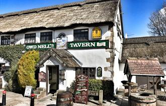 Owd Nell's Canalside Tavern
