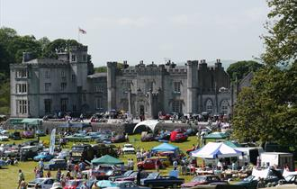 Classic Car Rally at Leighton Hall