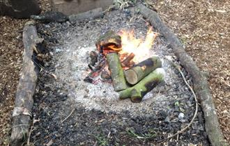make a camp fire - bushcraft